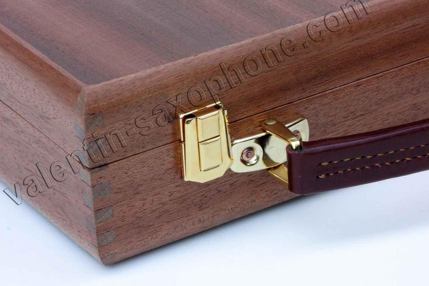 Valentin cases : Those cases are designed and handmade by myself.<br>Thin gold plated latches and deluxe leather handle.